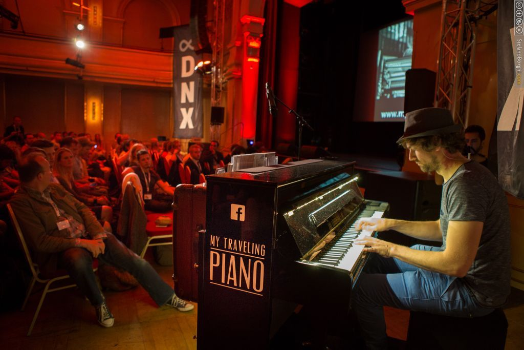 Joe Löhrmann (My Travelling Piano) performing at DNX Global 2015