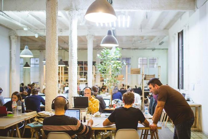 10 european coworking spaces perfect for startups remoters for Ups oficinas barcelona