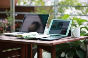 Best Laptops to Work Remotely or as a Digital Nomad While Traveling